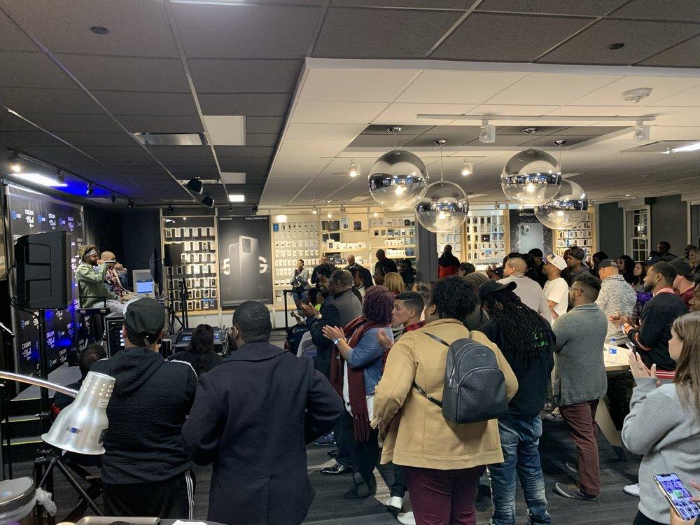 Corp-ATT-DreamBlack-crowd
